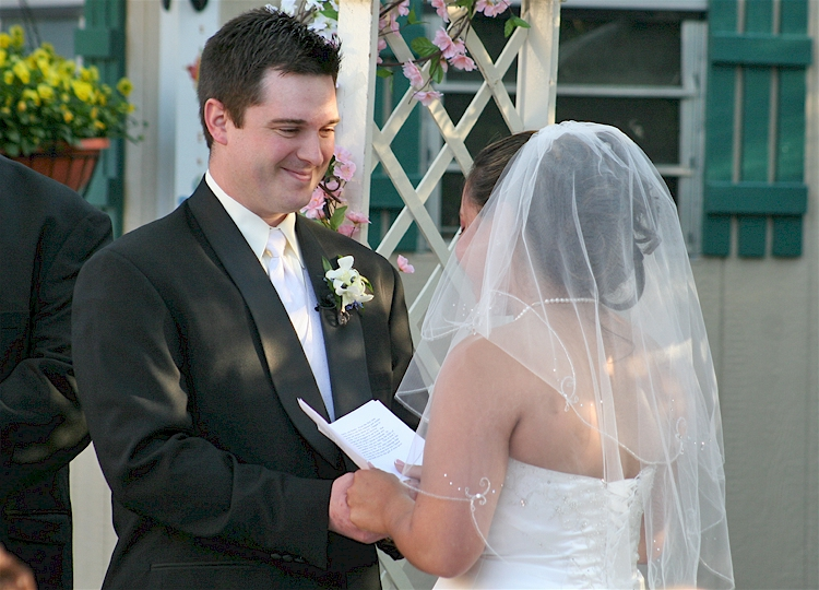 Romantic wedding vows examples for her and for him.